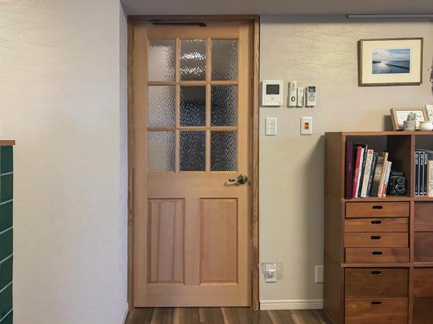 自宅のドアをプチリノベ